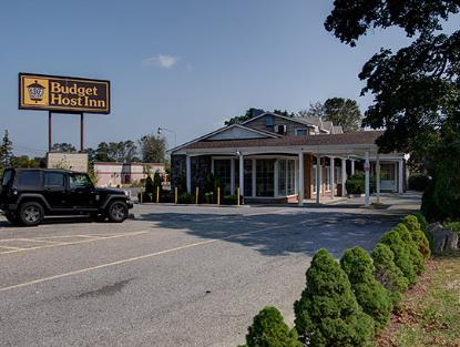 Enjoy A Relaxing Stay At Budget Host East End Hotel Near Riverhead Ny